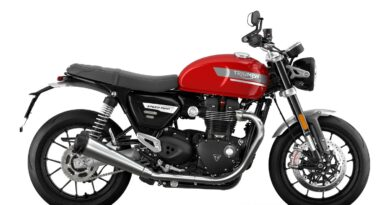 2021 triumph speed twin red right side