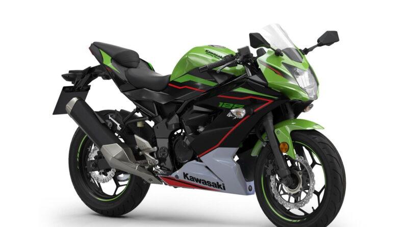 2022 ninja 125 green front