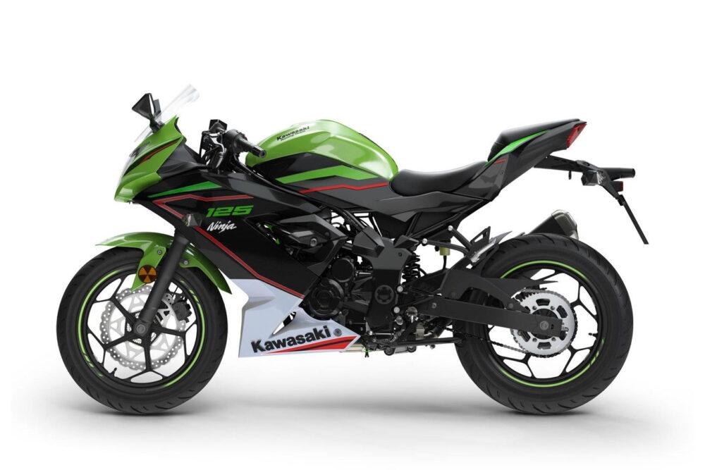 2022 ninja 125 green left