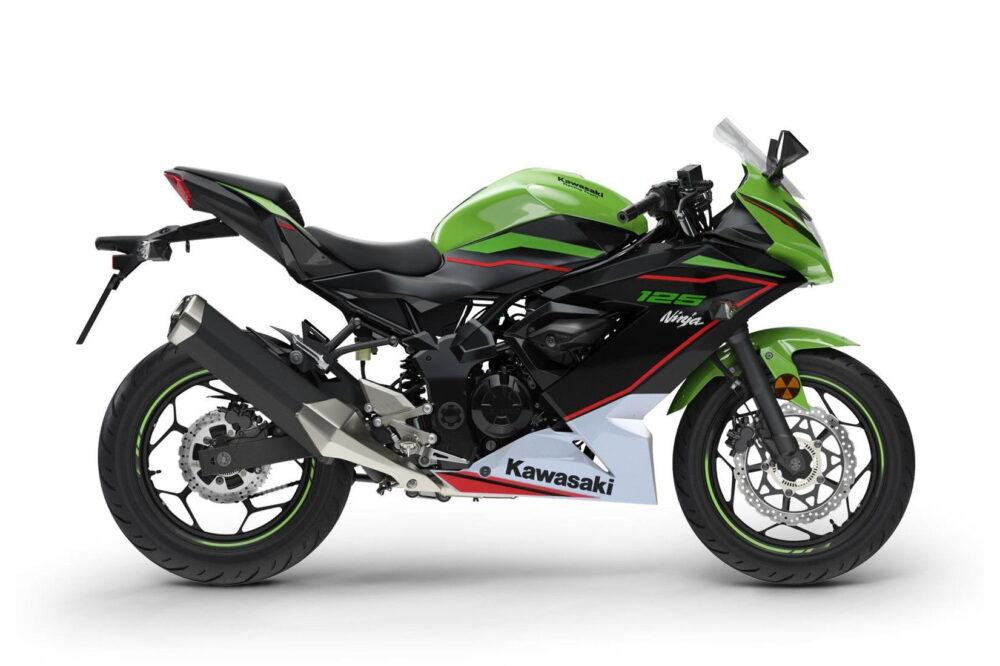 2022 ninja 125 green right