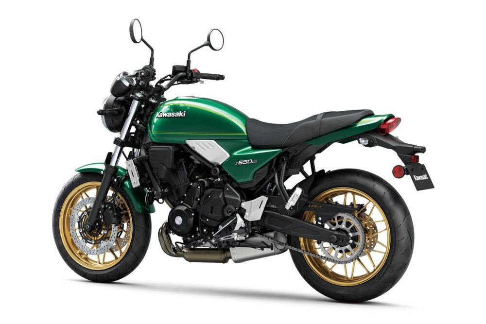 2022 kawasaki z650rs green rear